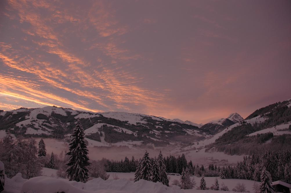 Winterpanorama im Morgenrot